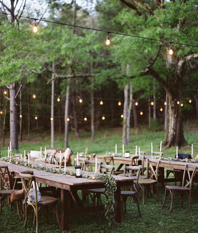Backyard wedding ideas picking a theme