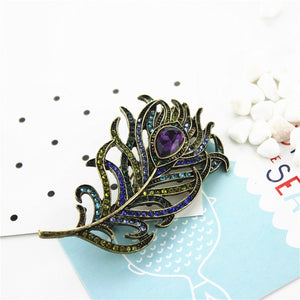 2017  fashion ladies new jewelry Retro suit sweater feather personality girl wife gift party brooch female