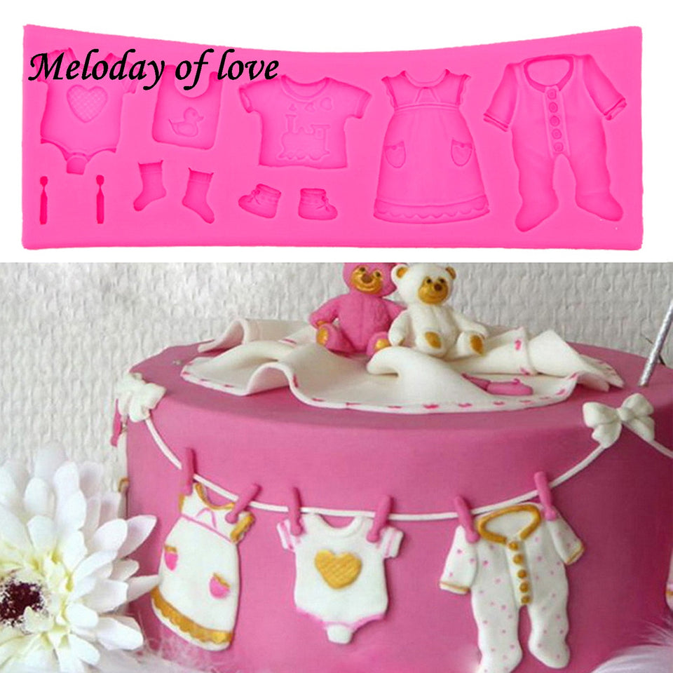 Hot Selling Pop 3D Baby Clothes Shower DIY Silicone Mould Fondant Kitchen Cake Decorating Mold for Chocolate Baking Tools T0534