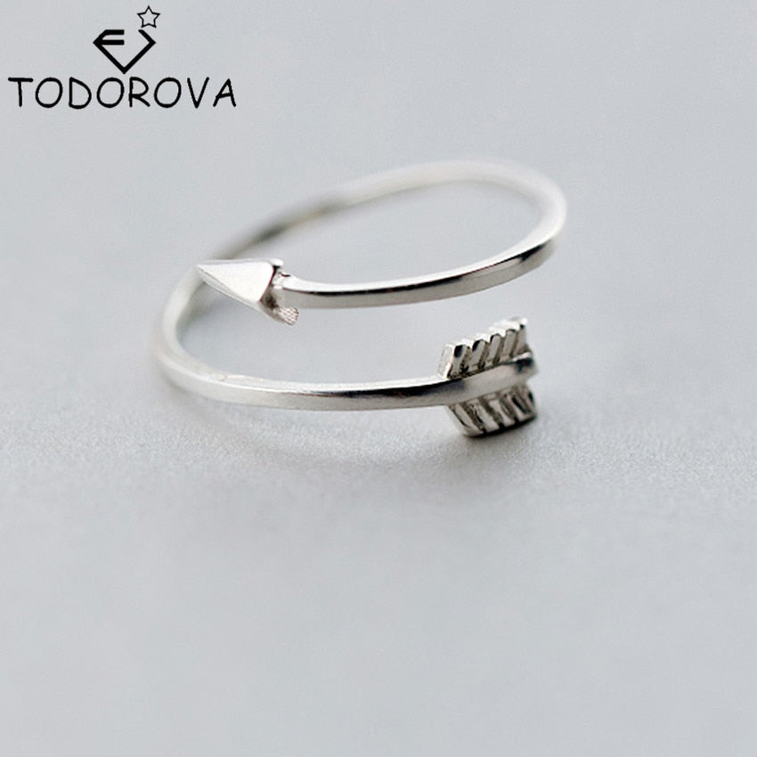 Todorova      Jewelry Plain Polished Love Arrow Toe Ring for Women Gift Open Adjustable Rings