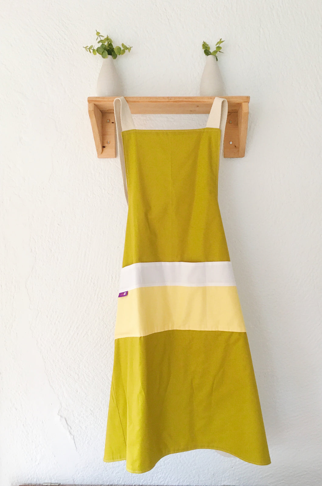 Apron Scandinavian design golden green, No ties