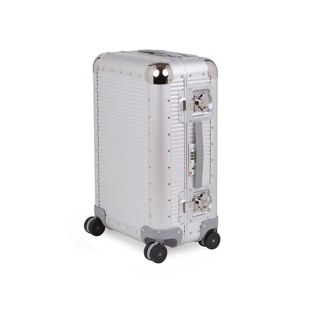 FPM Bank S 68 in Silver. FPM is a premium luggage. Made of 100% Aluminium and Made in Italy.