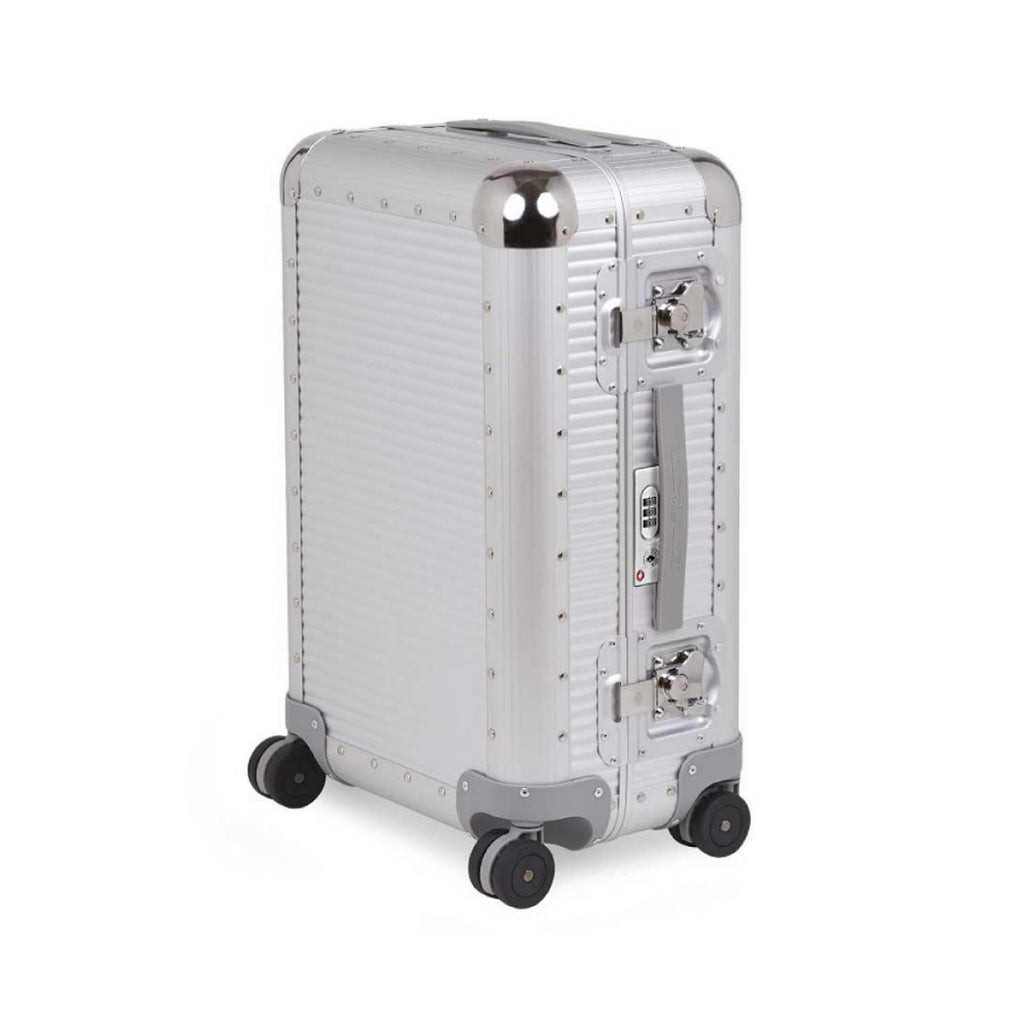 FPM Bank S 76 in Silver. FPM is a premium luggage. Made of 100% Aluminium and Made in Italy.