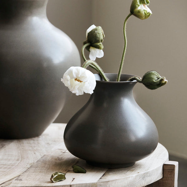 Smooth Bulbous Vase
