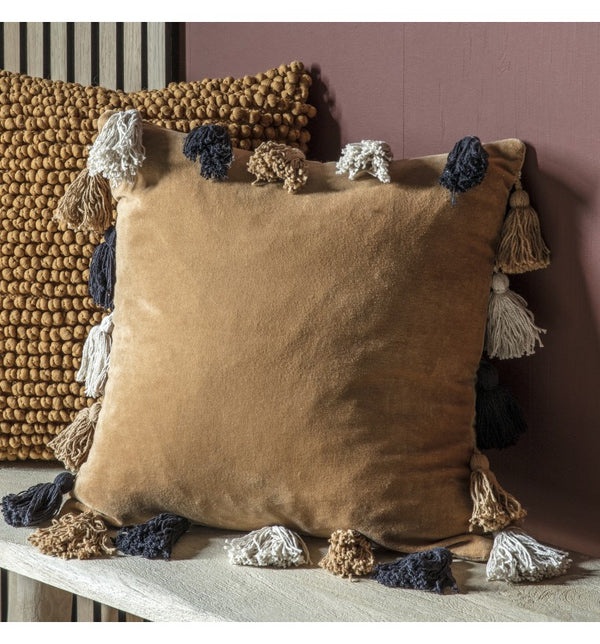 Ottovallo Tassle Cushion