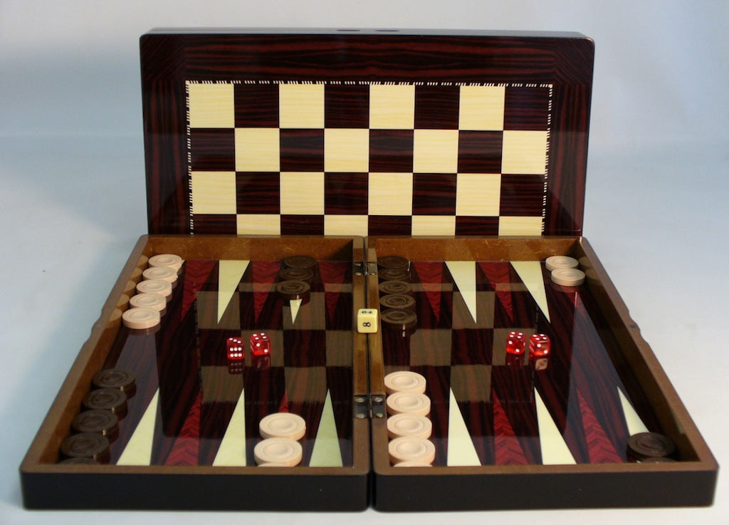 Simple Wood Grain Backgammon with Chess Board