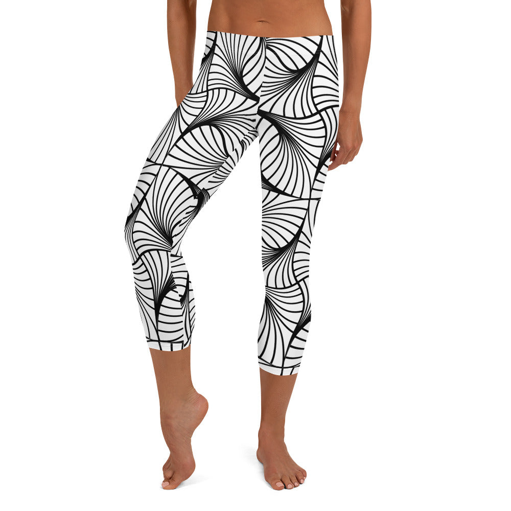 The confused lines Capri Leggings