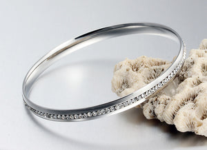 Bracelet - Modern design with rock crystals