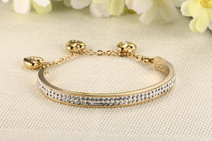 Bracelet - Elegant 3-hearts  design with shiny rhinestones