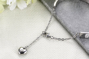 Bracelet - .Elegant bracelet with shiny rhinestones extend chain with pendant in heart shape.