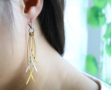 Load image into Gallery viewer, Earrings -BoHo style  Interlaced leaves shape