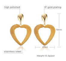 Load image into Gallery viewer, Earrings - Classic design in heart shape