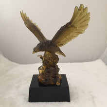 Load image into Gallery viewer, Amore Jewell Liuli Crystal Glass - Flying Eagle ~ 大鵬展翅老鷹