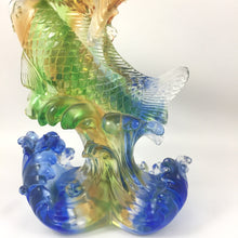 Load image into Gallery viewer, Amore Jewell Liuli Crystal Glass - Go Forward Fish ~ 勇往直前