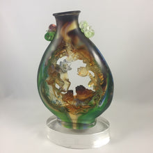 "Load image into Gallery viewer, Amore Jewell Liuli Crystal Glass - Peaceful & Wealth gathering ""Golden Toad and Lotus"" ~ 平安聚財"