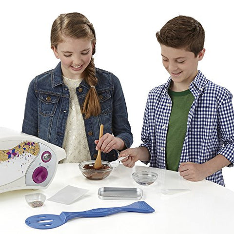 Image of Easy Bake Ultimate Oven Baking Star Edition