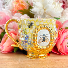 Load image into Gallery viewer, Floral Queen Bee Mug