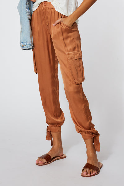Janelle Pant in Tobacco