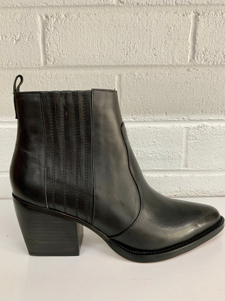 Majesty Leather Boot | Black