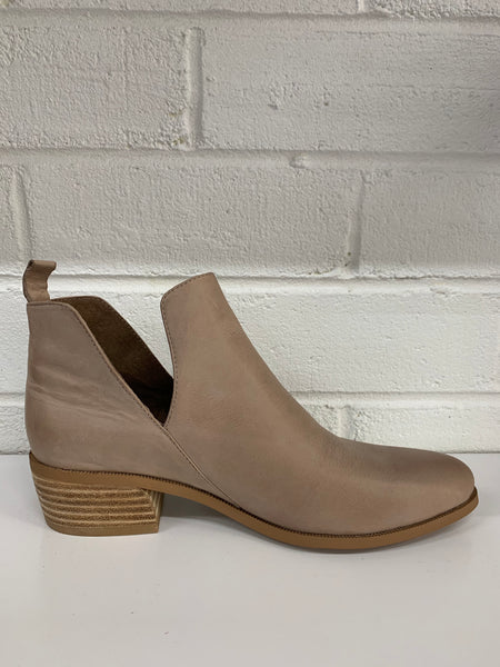 Cruz Leather Bootie | Taupe