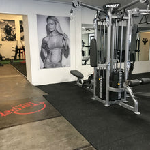 Laden Sie das Bild in den Gallery Viewer, TARGET GYM