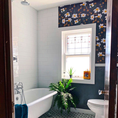 Can You Use Wallpaper in the Bathroom?