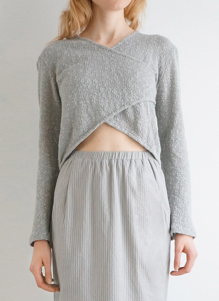 ISHO SWEATER (DOVE or BLACK)