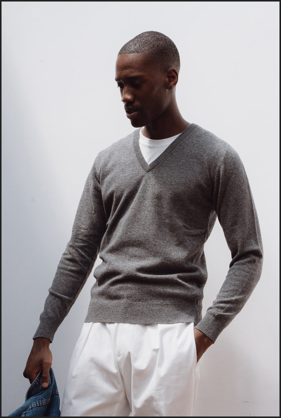 Superfine lambswool v neck in grey mélange