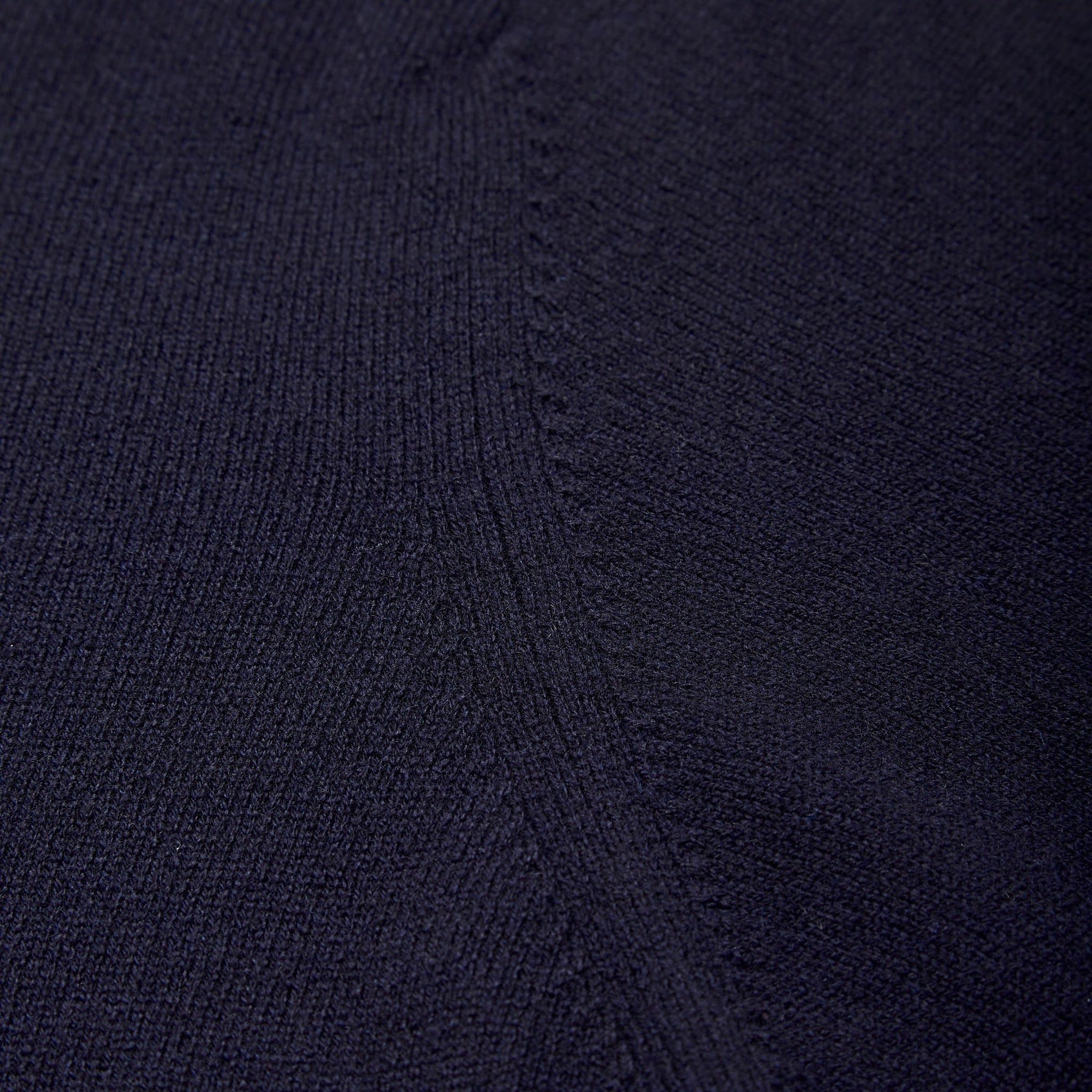 Cashmere crew neck in navy