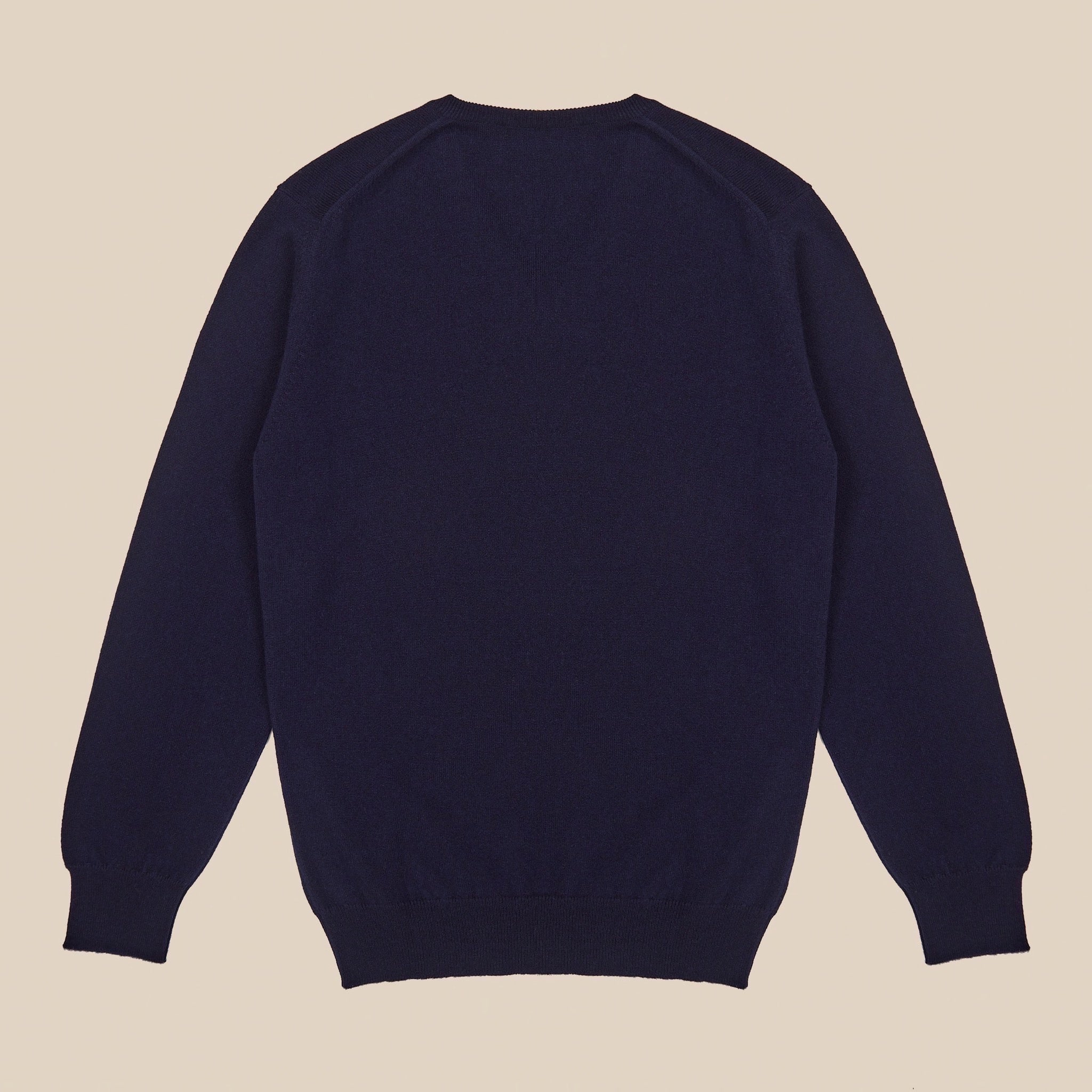 Cashmere v neck in navy