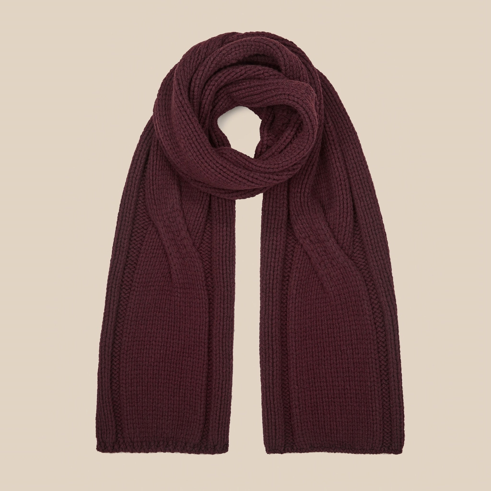 Lambswool scarf in burgundy