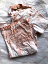 Load image into Gallery viewer, tie dye tee in rosado