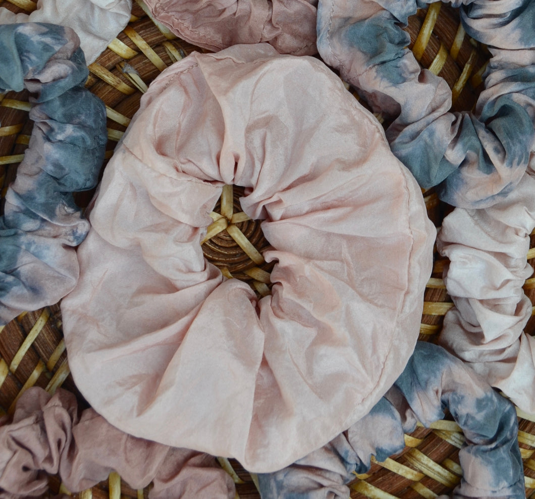 Oversized silk scrunchie