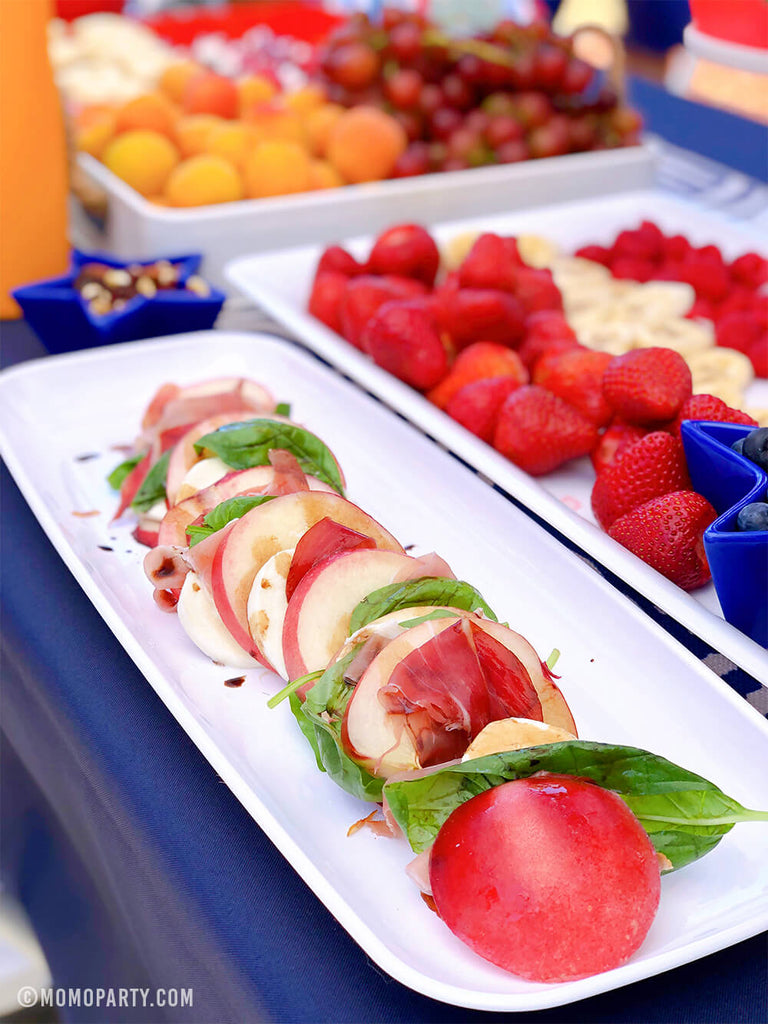 4th-of-July_Party-peach Caprese salad-recipe by Momo Party