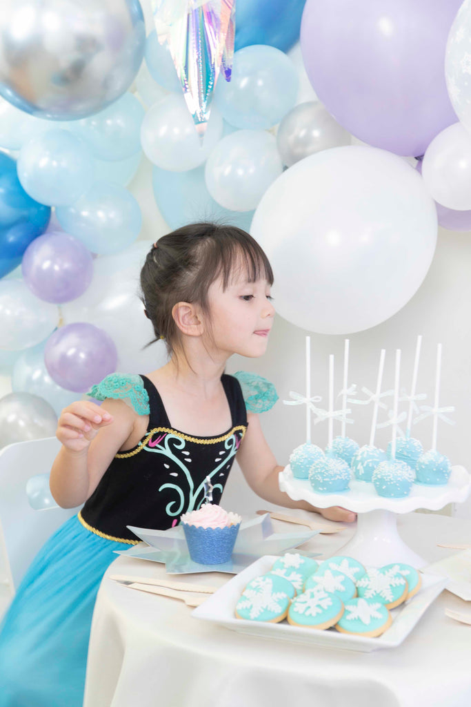 Frozen Birthday Party Dessert Table Ideas
