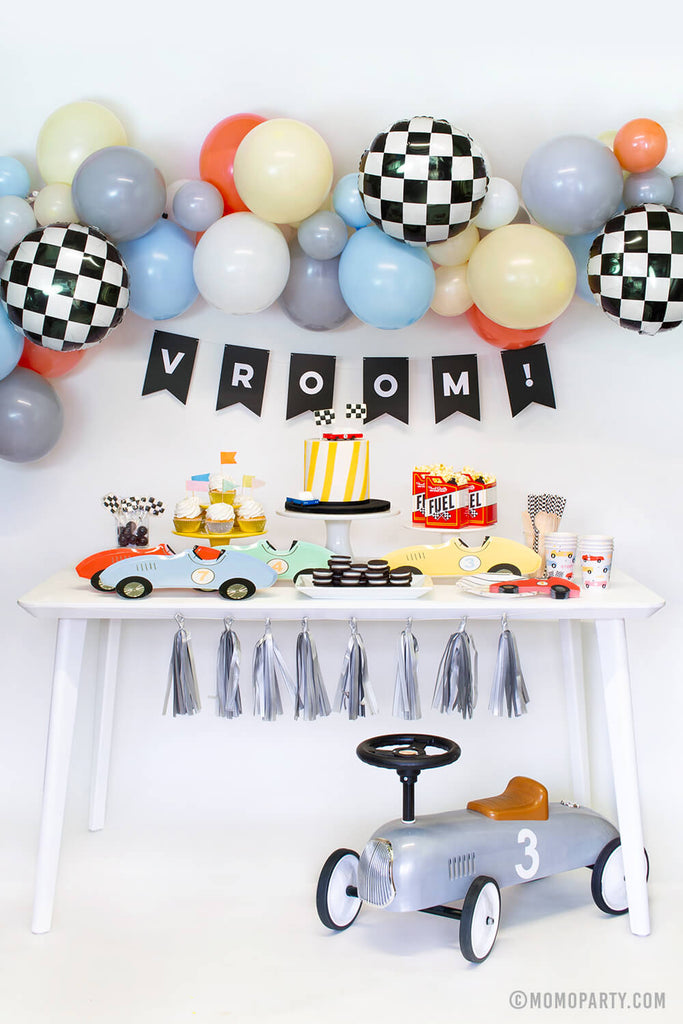 Kids Race Car Party Box by Momo Party