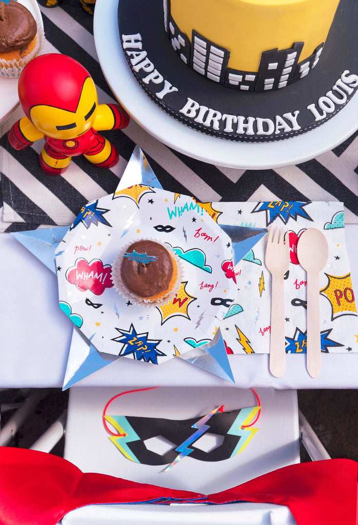 Modern Boys Superhero Themed Party_Tablescape Ideas