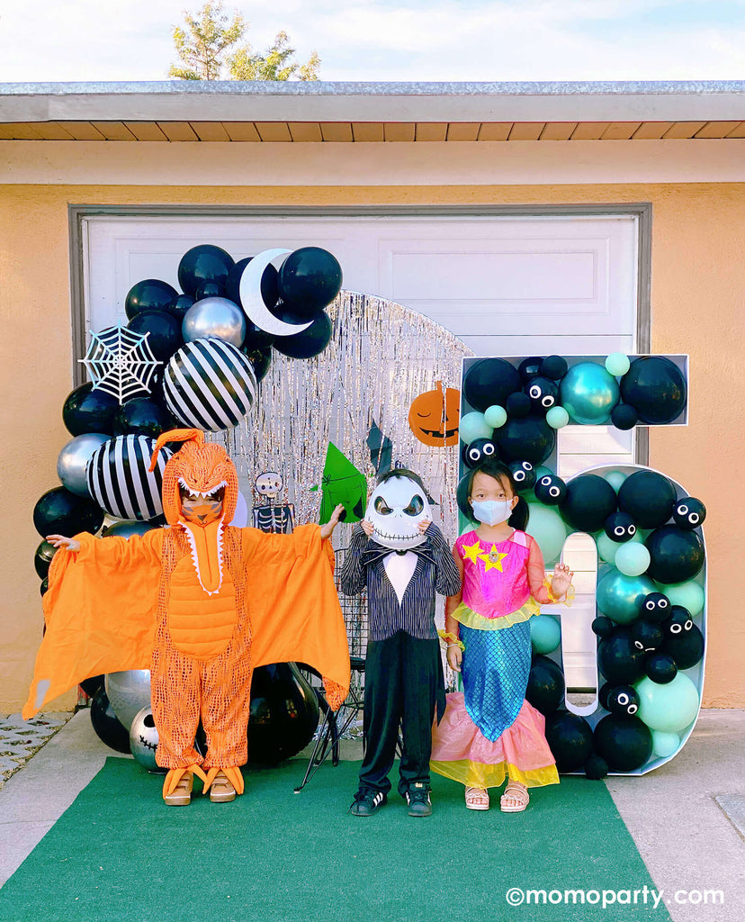 Drive by Custom Halloween-Kids Birthday-Party_by Momo Party