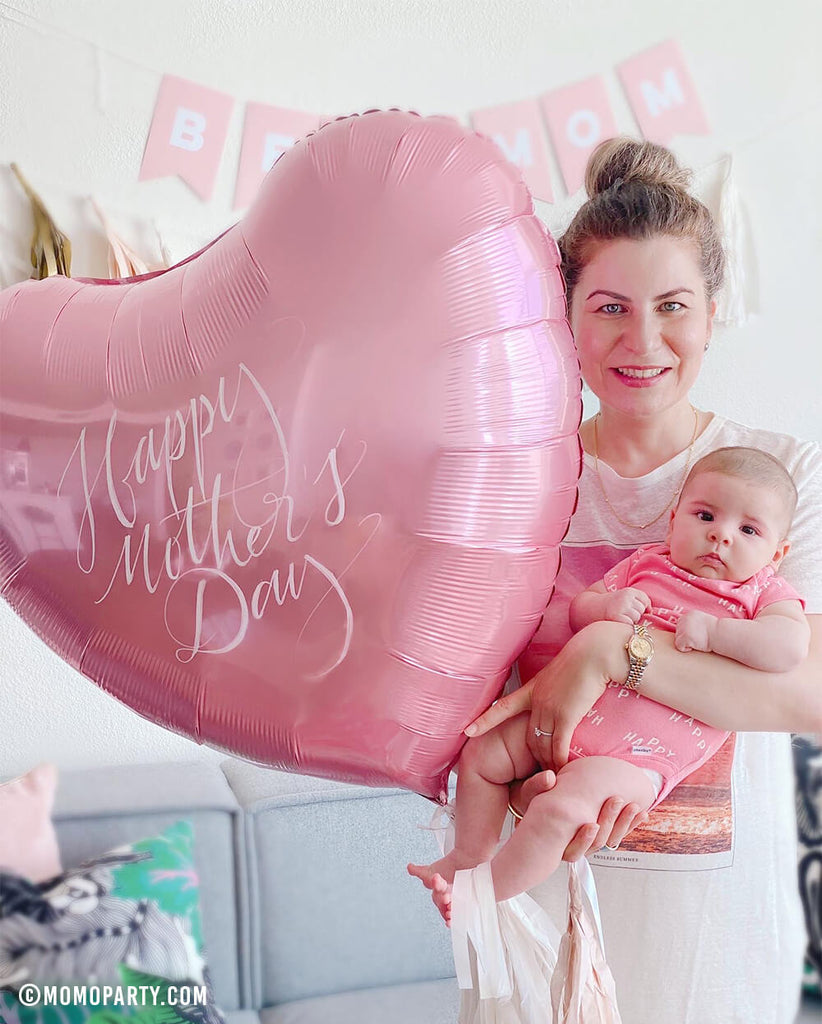 Mother's-day_Celebration Ideas Heart-foil-balloon hand-written DIY by Momo Party