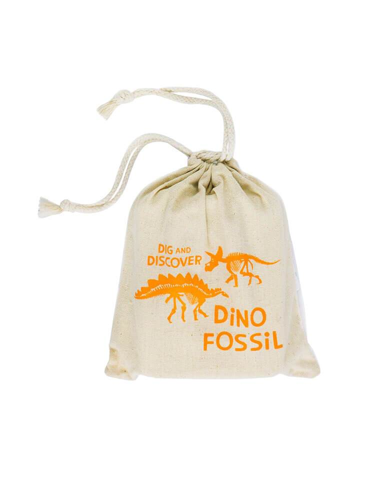 Small Dinosaur Fossil kit includes a polyresin dinosaur embedded in gypsum sand, plus a brush and stick inside the cloth bag is prefect gift for Dinosaur lover, Kids dinosaur birthday party favor