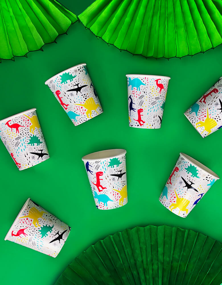 8 of Dinomite Cups with green bunting fan