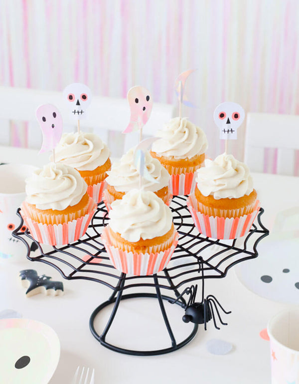 Meri Meri_Halloween-Icon-Cupcake-Kit on a spider web cake stand in a kids halloween party
