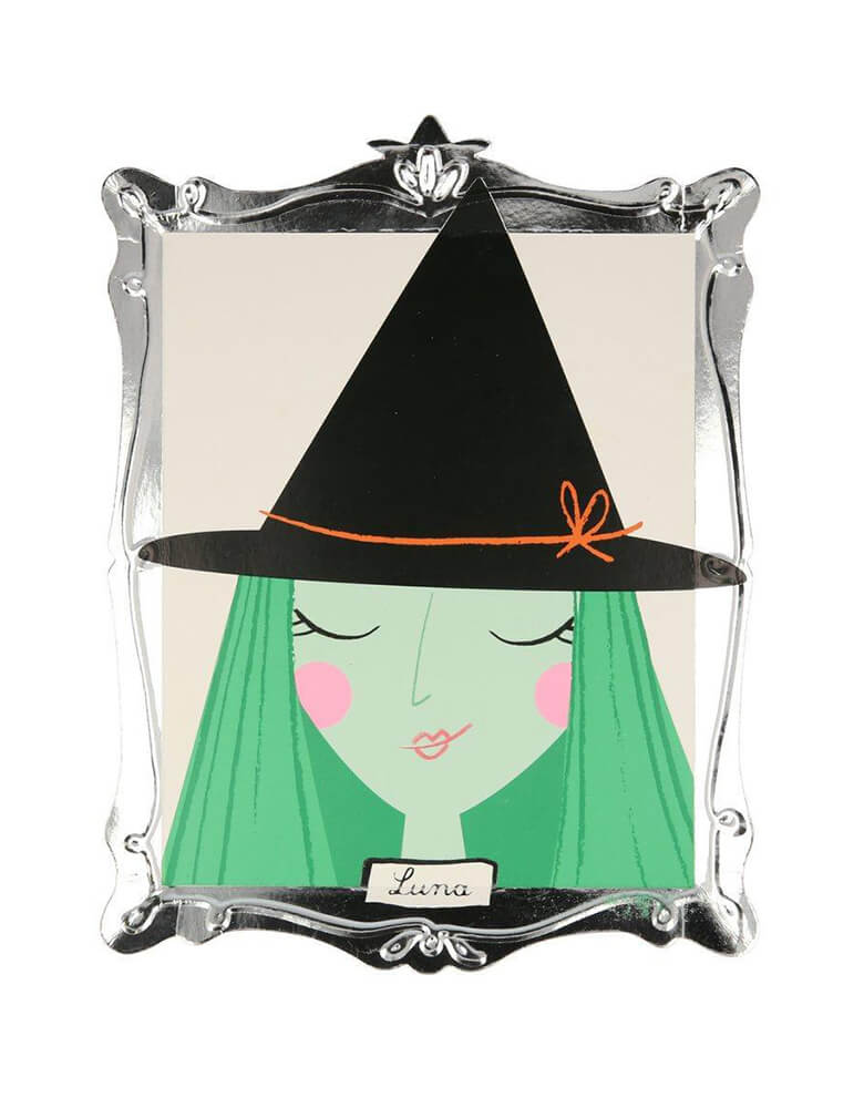 Meri Meri Halloween Motif Frame Plate of Luna witch design and shimmering silver foil frame detail. These plates look like boo-tasticly spooky works of art - worthy of eating Halloween tasty treats off or even hanging on the wall as decorations