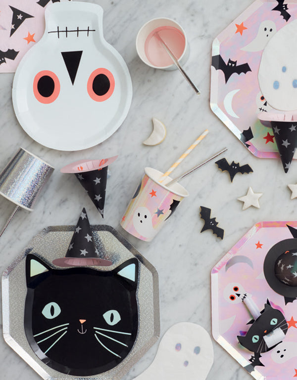 Kids Halloween Party table set up with Meri Meri_Halloween-Icons-Side-Plates, cups, black cat plates, skull plate