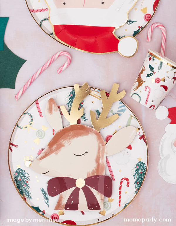 Reindeer with Bow Plates (Set of 8)