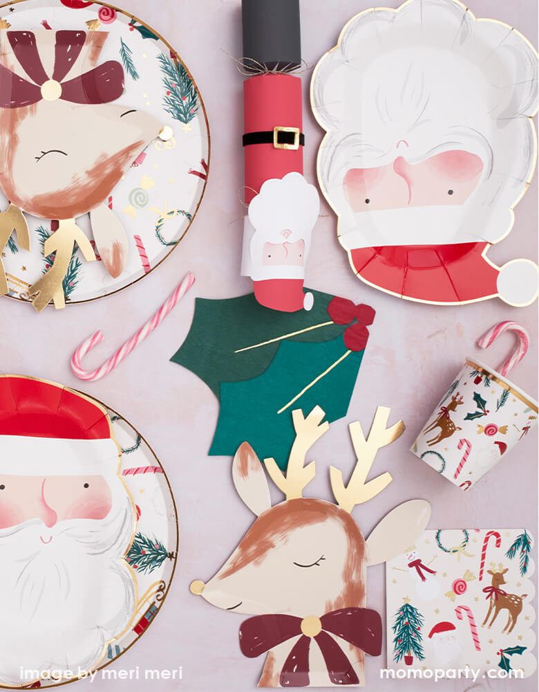 Reindeer with Bow Napkins (Set of 16)