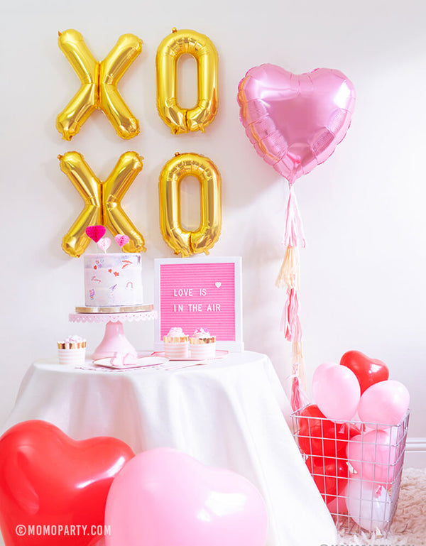 Momo party Valentine's Day Mini Kit with Xoxo foil balloons, Pink Heart Foil balloon, Heart Shaped Latex balloons, Meri meri Blushing Heart plates, Pale pink side plates for Valentine's Day and Galentine's Day celebration