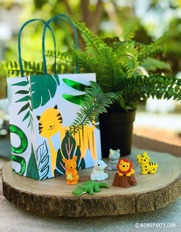 get-wild-party-bag-with-safari-animal-eraser-set