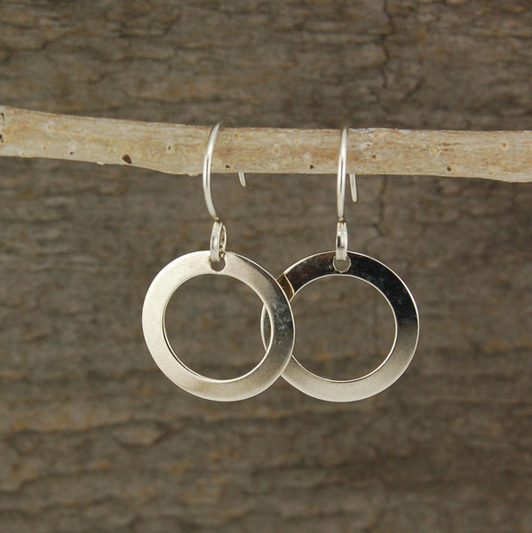 $25 - Simple Circle Earrings