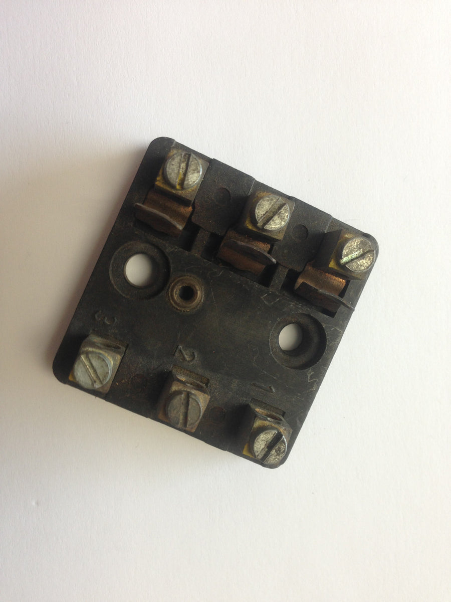 (Used) 911 3 Pole Fuse Block*
